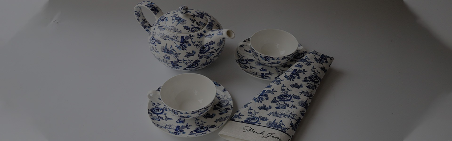 London Toile Collection